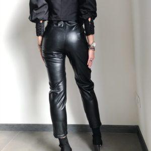 Skórzane spodnie z wysokim stanem ocieplane czarne | Butik z modą PiuGrande