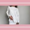 Biały kolor w ubraniach